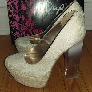 Brand New Beige Heels size 6 1/2